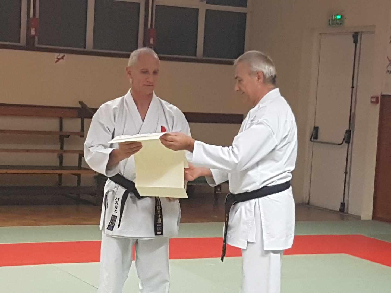 Remise diplôme de la yondan à Pascal