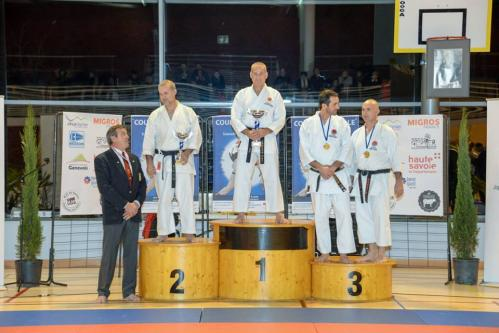 19 11 16 podium kumite veterans 40 et plus coupe nationale france jka pierre instructeur jka creil 1er