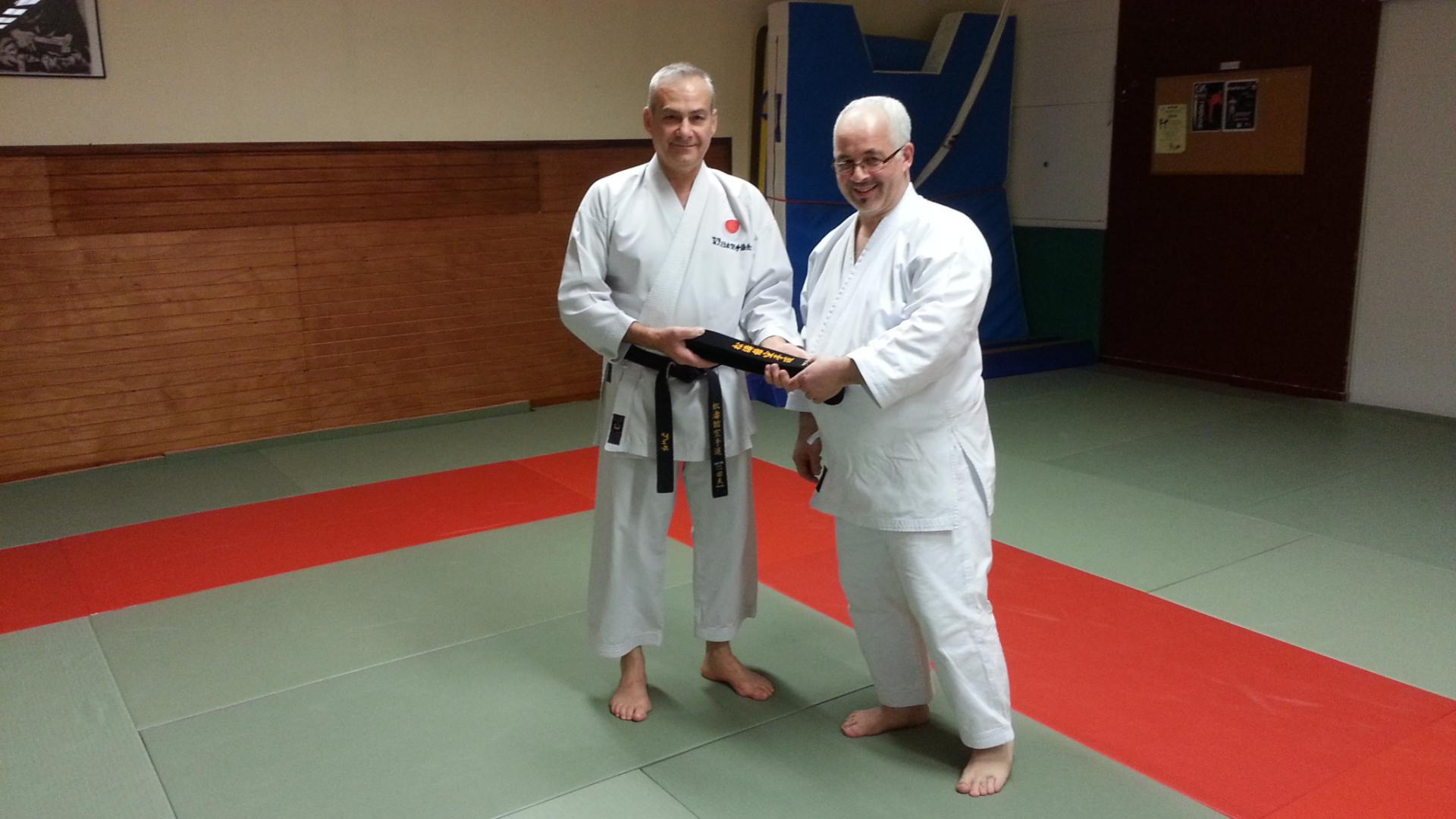 Remise de la ceinture noire à Jean-Marc Albart